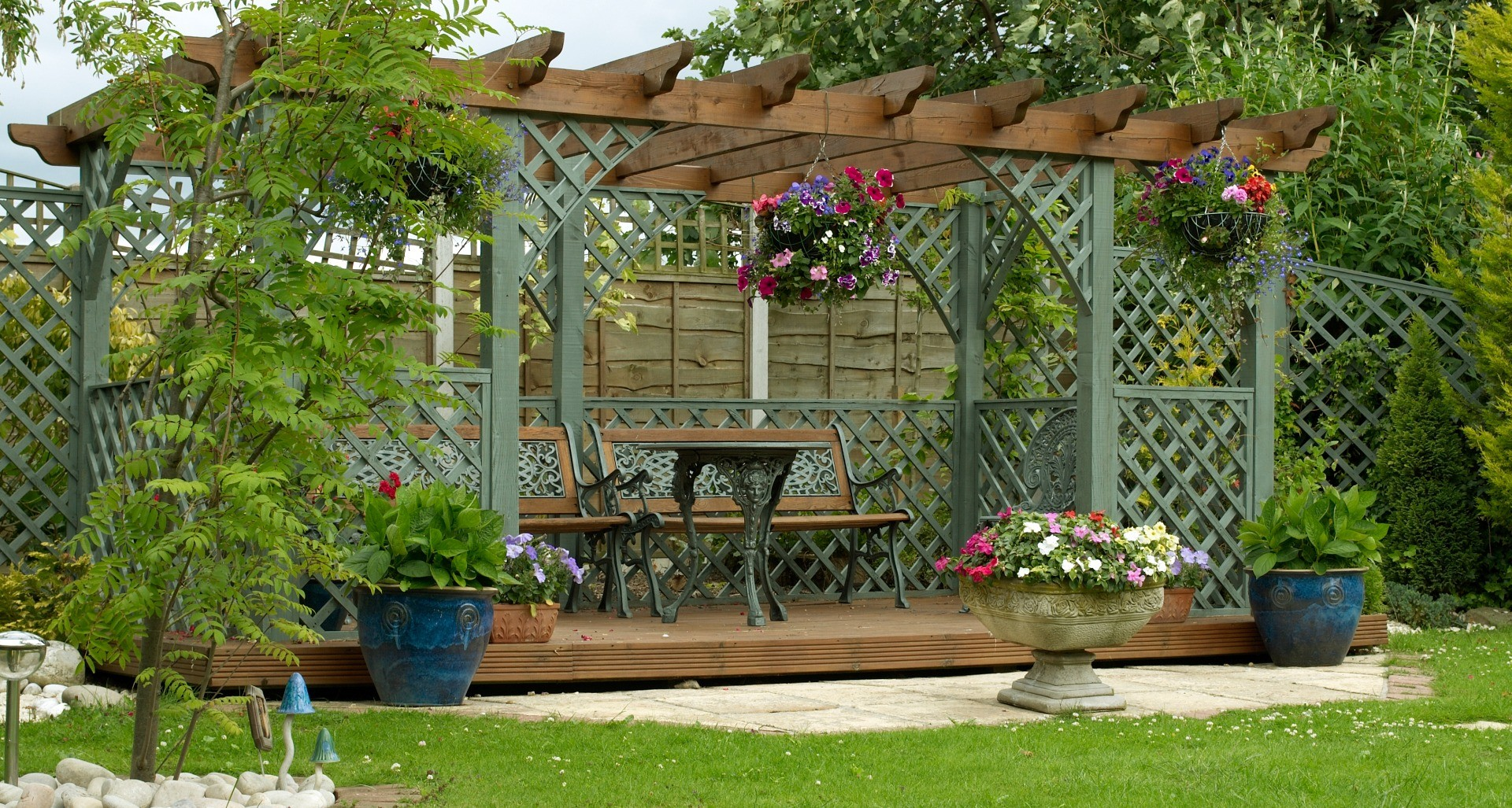 How to create your own outdoor haven   Create Homes